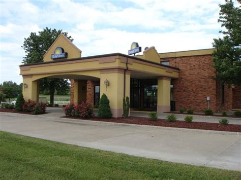 Maybe you would like to learn more about one of these? Days Inn Calvert City - Hotel Reviews, Deals - Kentucky ...