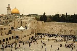 UN Agency to Make the Jewish Wailing Wall an Islamic Holy ...