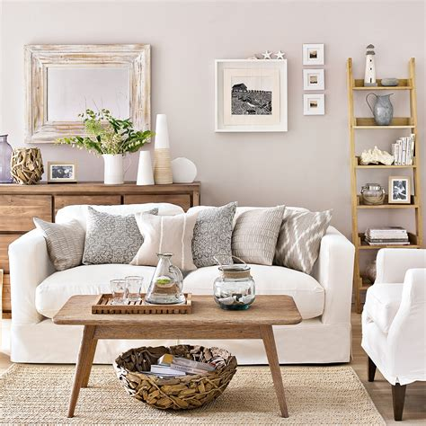 colours that go with brown sofa best throw pillows for leather couch what color walls go