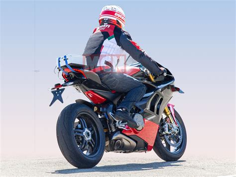 Ducati Panigale V4 Carbon Edition by Spotted Lightweight Ducati Panigale V4 Superleggera