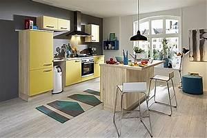 Kleine Küche Mit Insel : k chentreff musterk che kleine k che mit insel und theke ausstellungsk che in von ~ Sanjose-hotels-ca.com Haus und Dekorationen