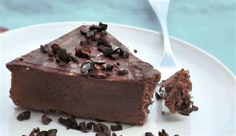 healthy chocolate mousse cake raw vegan recipe
