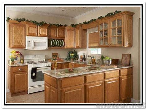 kitchen backsplash with golden oak cabinets white kitchen cabinets with white appliances oak kitchen
