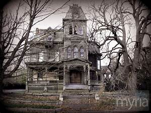 Would you buy a haunted house? - Myria