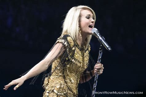 carrie underwood shines  allstate arena  rosemont