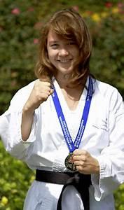 Privat Bei Sara : weltmeisterin im karate kenzingen badische zeitung ~ Watch28wear.com Haus und Dekorationen