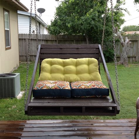 porch swing     grass pallets decoracaocasa nova pinterest furniture swings