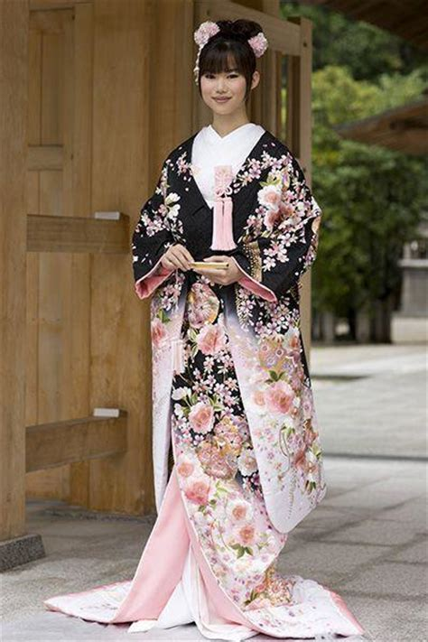 Traditional Japanese Wedding Dress by Traditional Wedding Japanese 2064874 Weddbook