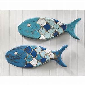 Wooden fish wall decor ideas for your beach house