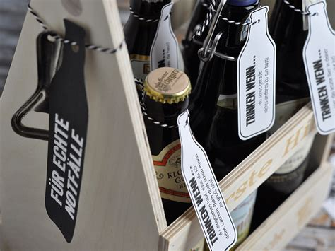 Maennerhandtasche Biertraeger Aus Holz Selber Basteln by Schnelle Geschenkidee Fr Mnner Mnnerhandtasche Zum