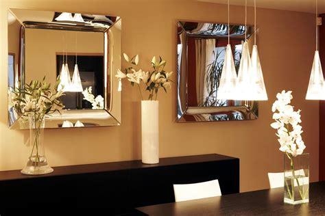 miroir plafond chambre miroir plafond chambre miroir au plafond sur le lit dans