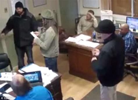 F&r Auto Sales Cruelly Shames Pizza Delivery Man In Video