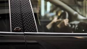 Lancia Ypsilon Black & Noir: nuovo allestimento per la