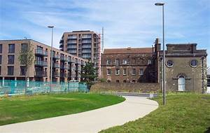 File:London-Woolwich, Royal Arsenal, Nouvel building & old ...