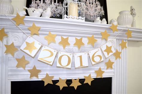 graduation decoration ideas 2016 2017 graduation decoration class of 2017 bunting cake table