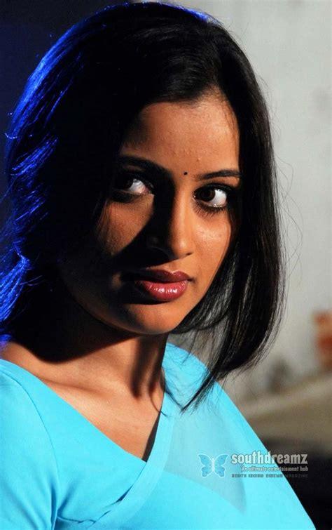 Navneet Kaur Hot In Saree Wallpapers Pictures Actress