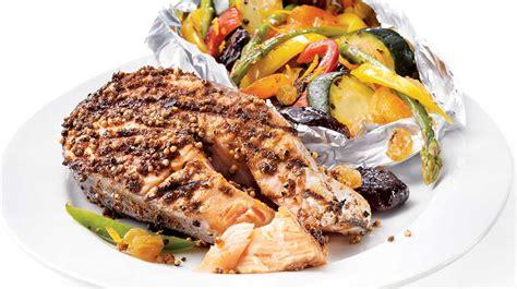 cuisiner darne de saumon darnes de saumon en croûte d épices sur le gril recettes