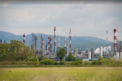 solvay si鑒e social les syndicats demandent des investissements sur les trois usines françaises cédées à basf par solvay chimie