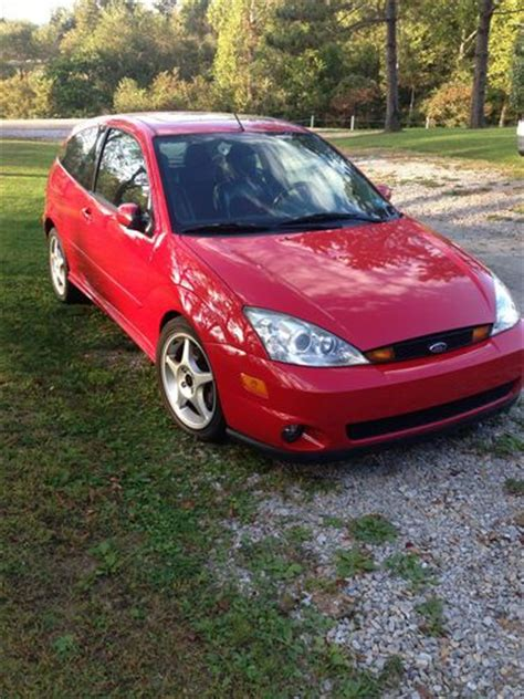 sell   ford focus svt hatchback  door