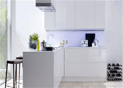 meuble de cuisine blanc laqué cuisine blanche 20 idées déco pour s 39 inspirer deco cool