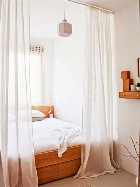 ag e chambre idée déco chambre adulte nos astuces pour les petits espaces