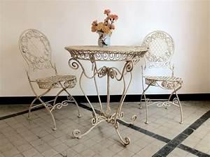 Gartentisch Mit Stühlen : romantischer gartentisch mit st hlen my cms ~ A.2002-acura-tl-radio.info Haus und Dekorationen