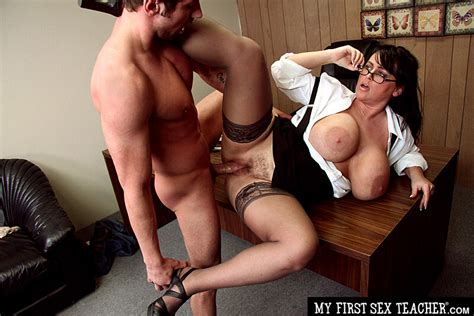 Professor Indianna Jaymes Fucking In The Desk With Her Tits