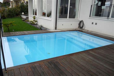 piscine liner ou carrelage d 233 bordement liner carrelage piscines widmer