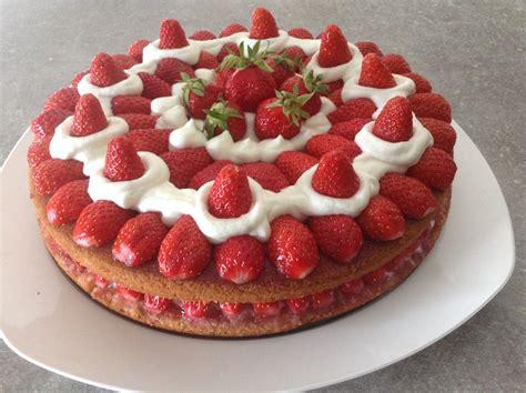 jeux de aux fraises cuisine gateau aux fraises facile recette sur cuisine actuelle