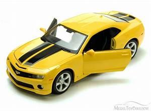 2010 Chevrolet Camaro Hard Top, Yellow Showcasts 34207