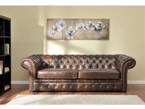 canapé en cuir vieilli canapés et fauteuil chesterfield cuir 2 coloris clotaire