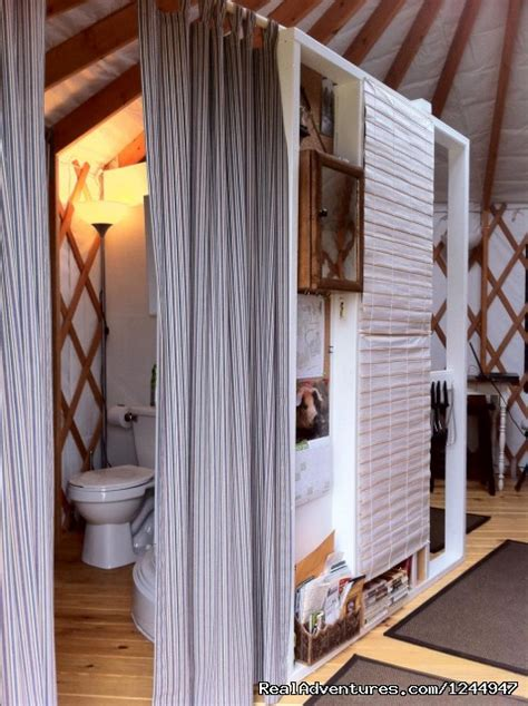yurt  rent private nature retreat waterville