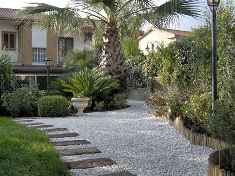 viali in ghiaia ghiaia da giardino progettazione giardini ghiaia per