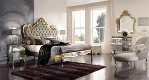 Regal Bedroom Décor in Modern Houses
