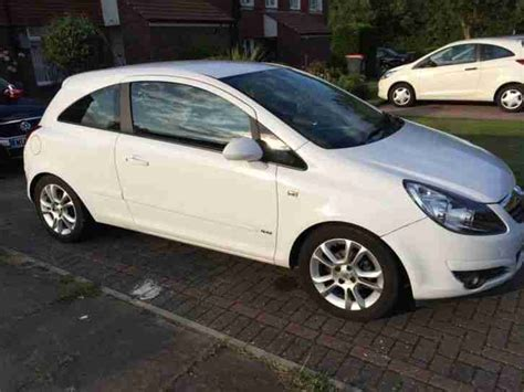 vauxhall white vauxhall 2007 corsa sxi white car for sale