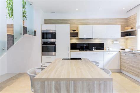 cocina blanca  madera cocinas vitoria tierra home design