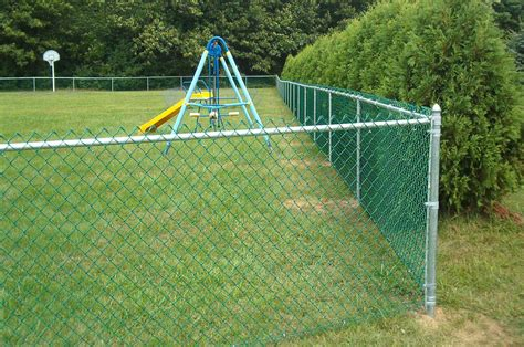 100' Green Vinyl Coated Chain Link Fence Complete Set W