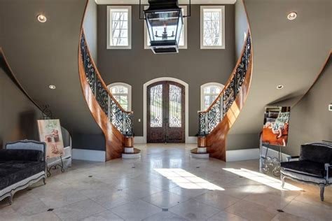 kelly clarksons home  tennessee  shes selling