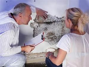 Schimmel An Der Wand : so bleibt die wohnung schimmelfrei casando magazin ~ Frokenaadalensverden.com Haus und Dekorationen