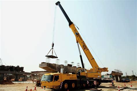 indian rental firm expands fleet   grove gmkl
