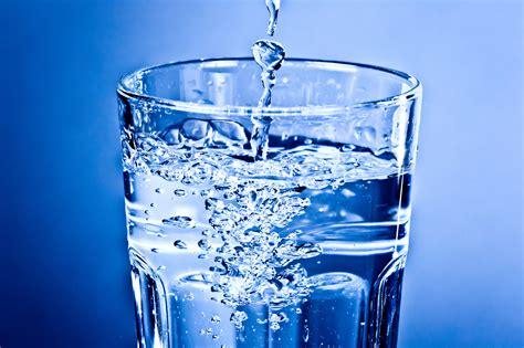 Mit Wasser by Wasser Aus Flaschen Besser Als Wasser Aus Der Leitung