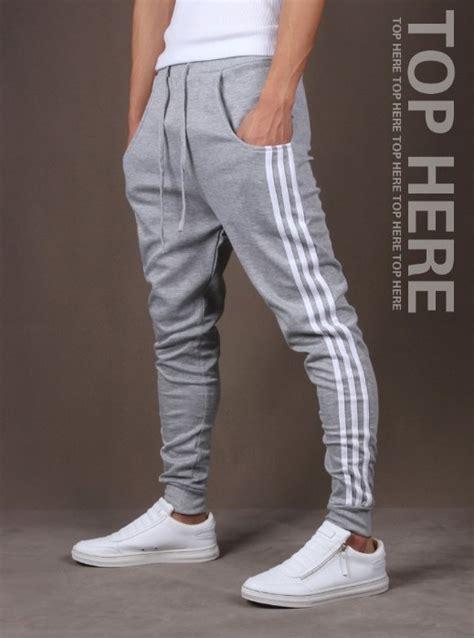 Спортивные мужские штаны Nike.