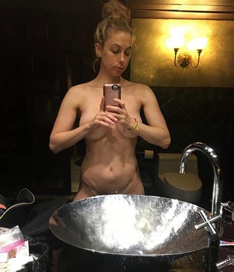 Iliza Shlesinger New Private Nude Photos — American