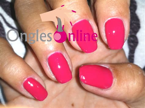 pose de vernis permanent vernis uv avec top coat faux ongles manucure