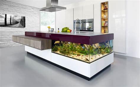 interior designer kitchen aqua kücheninsel mit integriertem aquarium