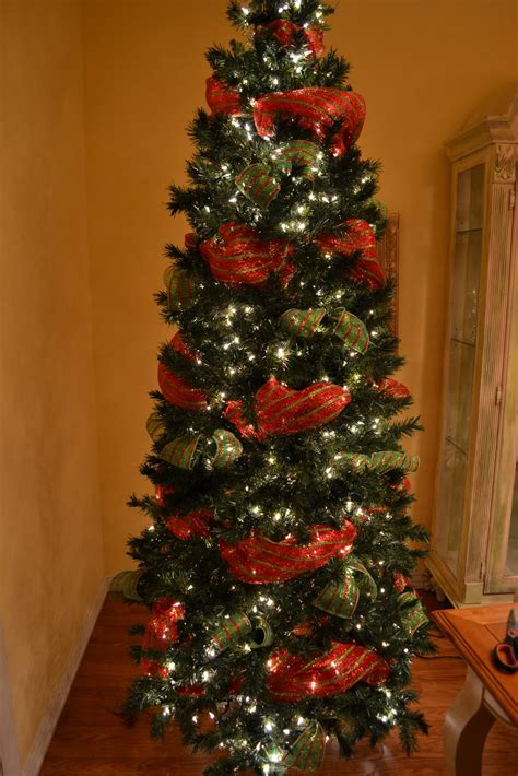 awesome christmas tree decoration ideas  ribbon
