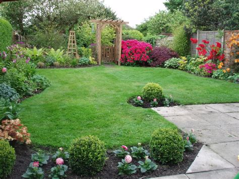 Garden Good Looking Garden Landscaping Decoration With