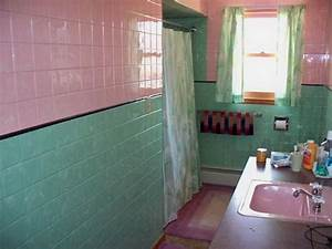 180 best vintage tiled baths images on pinterest retro With turquoise and pink bathroom