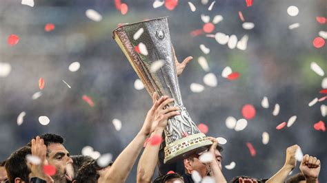 Mu vs villarreal let's see. Man United vs Villarreal: Rio Ferdinand, Owen Hargreaves, Scholes name team to win UEL trophy ...