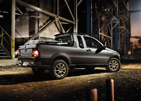 fiat strada pickup  italy autoevolution